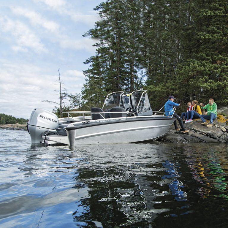 Moottorivene vuokraus Faster 525 SC - koe Saimaa veneillen!