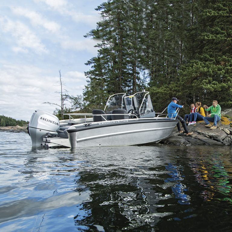 Rent motorboat to Saimaa